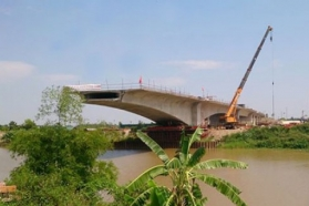 Cầu Hưng Hà